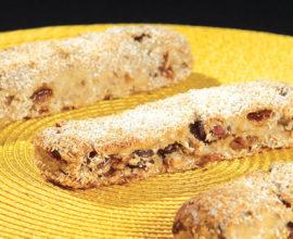 barre-de-meule-aux-fruits-noisettes-et-a-la-noix-de-coco-sur-levain-liquide
